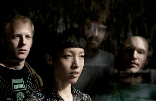 http://strangefruitmusic.files.wordpress.com/2011/01/littledragon.jpg